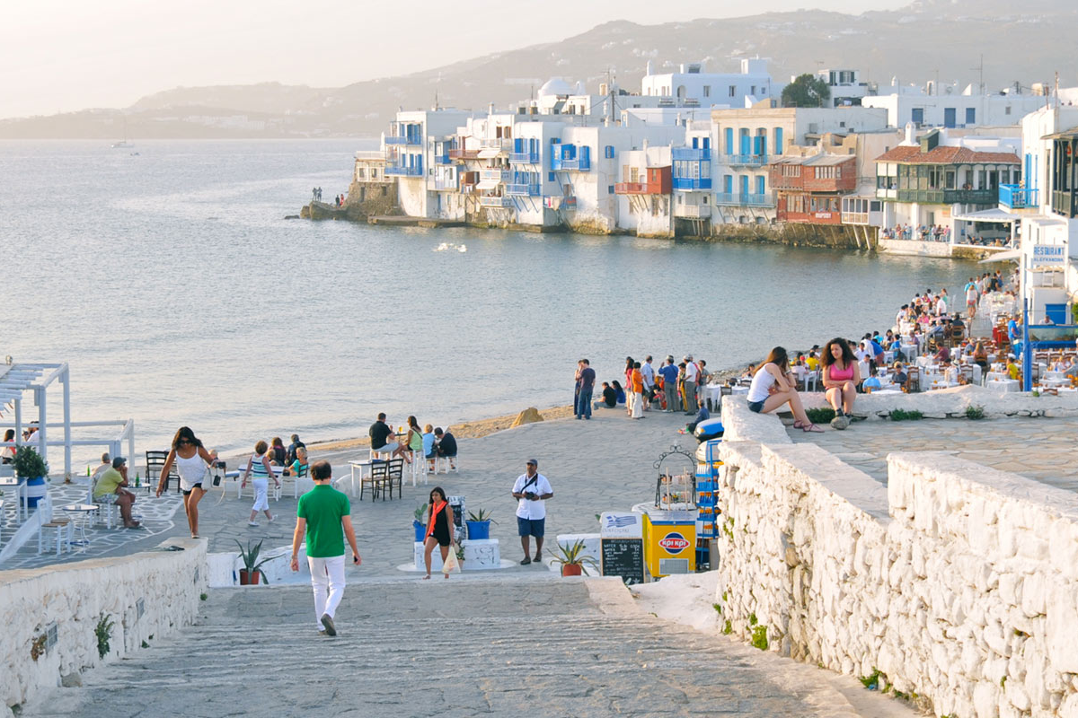 4 Ways To Spend a Day in Mykonos